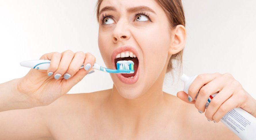 Jak prawidłowo myć zęby? Odpowiednie techniki szczotkowania zębów